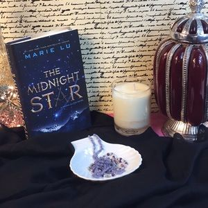 "⚔️💫""MIDNIGHT STAR"" - Marie Lu 💫⚔️"
